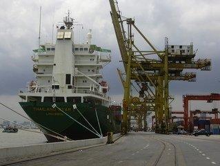 Importação marítima